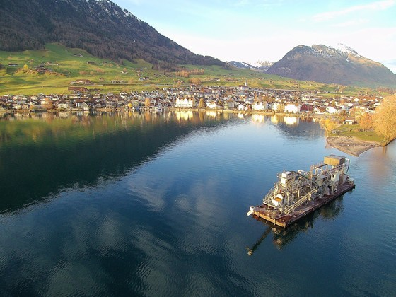 Schwimmbagger in Buochs