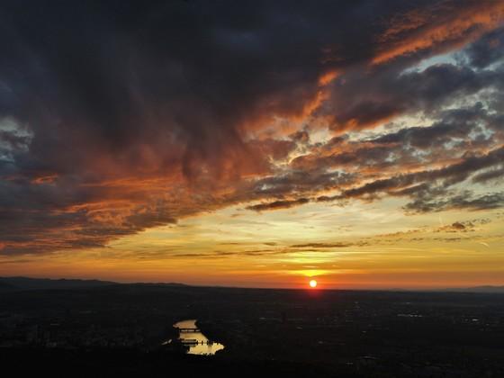 Sonnenuntergang über Basel (Schweiz)