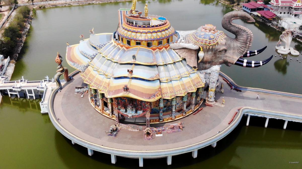 Der Elefantentempel zum Wat Ban Rai
