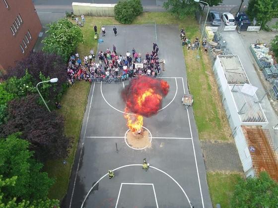 Feuer aus der Luft!