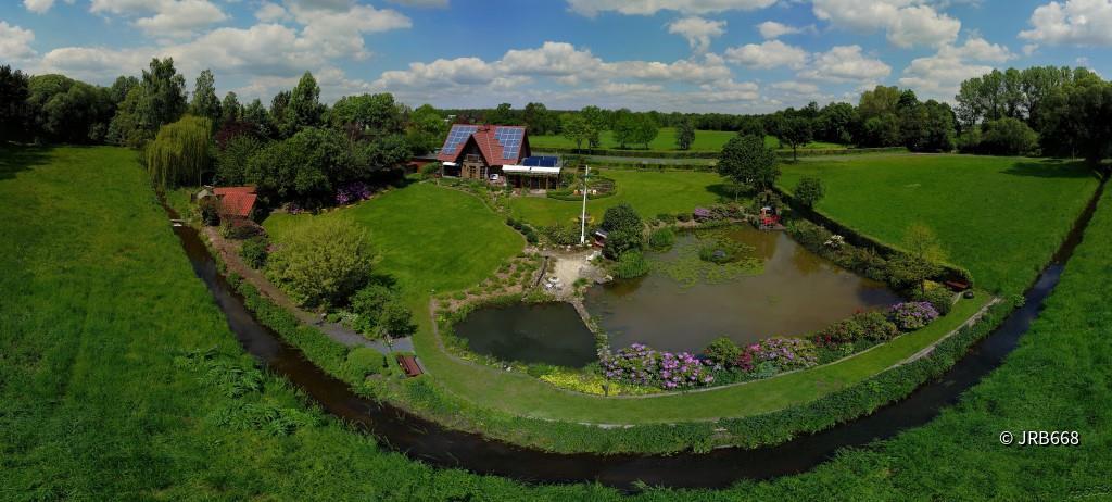 Herrliche Gartenanlage - mehr dazu auf ► flight-movie.de ◄