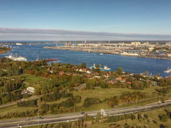 Rostock/Dorf Schmarl und Blick zur Ostsee
