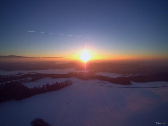 Winterlicher Sonnenuntergang im Blauen Land
