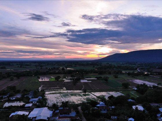Sonnenuntergag im Isaan, Thailand.